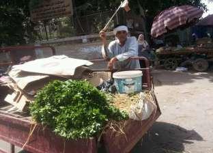 """الباعة الجائلون في رمضان: حر وعطش و""""يوم مش بيخلص"""""""