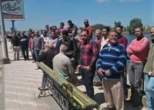 """صناع أثاث دمياط يفضون وقفتهم الاحتجاجية اعتراضا على أسعار """"الأبلكاش"""""""
