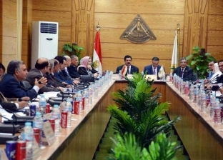 مجلس جامعة بنها يتبرع ببدل حضور جلساته لصندوق تحيا مصر