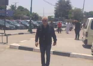 أشرف زكي بمسجد السيدة نفيسة لحضور جنازة محسنة توفيق