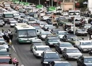 خبير تخطيط: إقليم القاهرة الكبرى يعاني بسبب الاعتماد على السيارات الخاصة والميكروباص