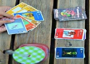 4 شباب يتحدون الألعاب الإلكترونية بـ«الكوتشينة الزومبى»
