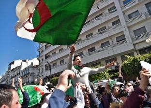 """الجزائر تغير """"العطلة الصيفية"""" للطلاب للحد من تواجدهم في المظاهرات"""