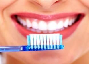 تحذير.. استخدام فرشاة الأسنان لفترة طويلة يسبب الأمراض
