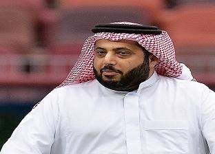 """تركي آل الشيخ لرئيس الزمالك: """"الخميس حتكونوا بوابتنا لدوري مصر"""""""
