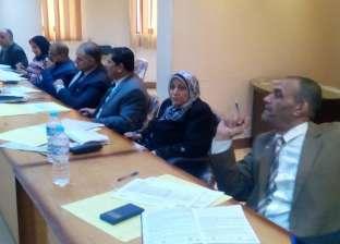 بالصور  إجراء مقابلات شخصية للمتقدمين لوظائف موجه ومدير ووكيل مدرسة بكفر الشيخ