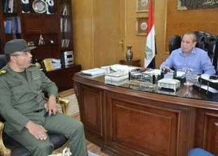 محافظ دمياط يهنئ العقيد محمد بسيوني لتوليه مهام إدارة المستشفى العسكري