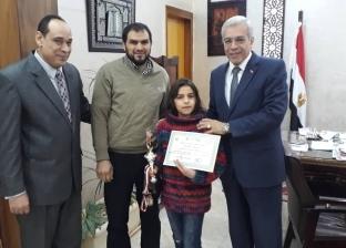 """""""تعليم القليوبية"""" تكرم الطالب الفائز في مسابقة الرياضيات بماليزيا"""