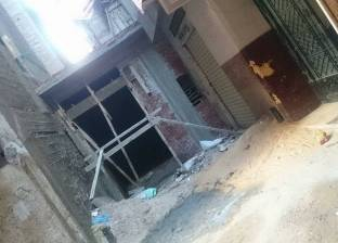 عجائب الإسكندرية: مقاول يبنى محلاً وسط الشارع فى حماية البلطجية