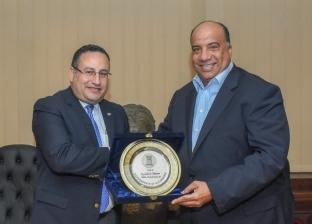 محافظ الإسكندرية يبحث مع رئيس الاتحاد سبل الارتقاء بالمنظومة الرياضية