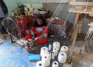 سوهاج: غلاء الخامات يقضى على صناعة «النسيج اليدوى» بعد 500 عام من الازدهار