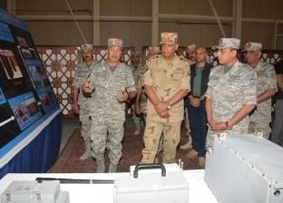 """وزير الدفاع يتفقد عددا من الأنشطة التدريبية بـ""""النجم الساطع"""""""