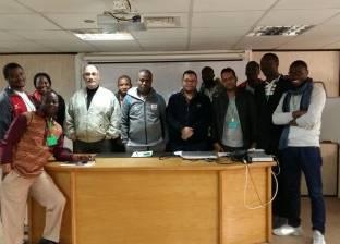 """""""تقنيات الأقمار الصناعية"""".. في محاضرة لوفد الإذاعيين الأفارقة"""
