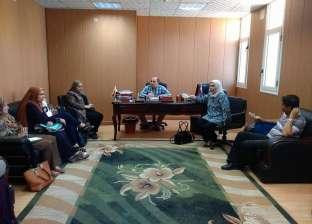 اجتماع لجنة تنقيح المقررات الدراسية بكلية طب أسنان المنصورة