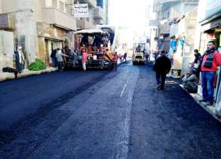 محافظ القاهرة يطالب بالتركيز على الشوارع الجانبية فى اعمال الرصف