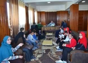 بالصور| رئيس مدينة بلطيم يستقبل طلاب مدرسة جمال عبد الناصر الموهوبين