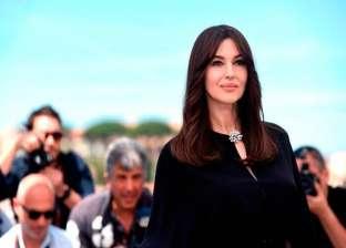 مونيكا بيلوتشي تقضي عطلتها في اليونان