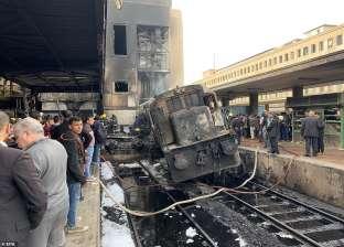 تصادم قطار ركاب بسيارة اقتحمت شريط السكة الحديد بخط في مطروح