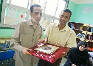 بالصور| تكريم أعضاء هيئة التدريس بمدرسة الشهيد في كفر الشيخ