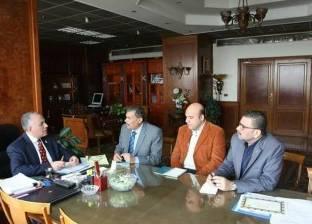 وزير الري يناقش سرعة إزالة التعديات على النيل