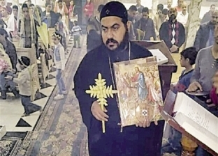 قطعتان من «صليب المسيح» أمام شعب الكنيسة فى «أسبوع الآلام» بالإسكندرية