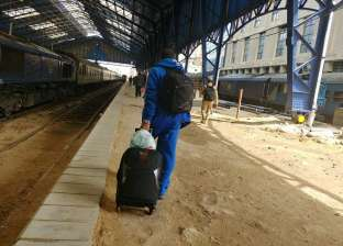 غرامات فورية للركاب الهاربين من تحصيل تذاكر القطارات في الإسكندرية