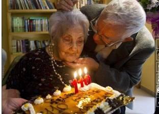 """وفاة أكبر معمرة في أوروبا عن عمر 116 عاما: """"تتناول كأس نبيذ يوميا"""""""