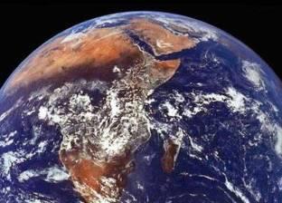 """ترجمة """"جوجل"""" تحارب نظرية """"الأرض المسطحة"""""""