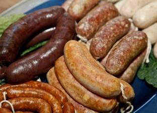 استبدل اللحوم المصنعة بثمرة فاكهة وطبق من السلطة