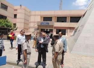 بالصور| مدير أمن المنيا يتفقد إدارة المرور وقسم تصاريح العمل