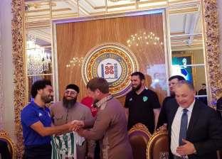ماذا يعني حصول محمد صلاح على وسام المواطنة الشرفية للشيشان؟