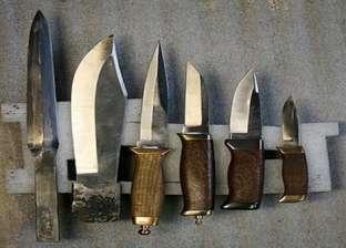 تجديد حبس عاطل بتهمة الاتجار في الأسلحة البيضاء بالعمرانية