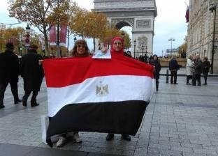 """صور وأتوبيس و""""جروب"""".. استعدادات الجالية المصرية بفرنسا قبل الانتخابات"""
