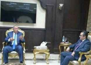 محافظ البحر الأحمر يستقبل سفير كازاخستان بديوان عام المحافظة
