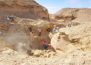 العثور على ورشة معمار أثرية بجبل السلسلة في أسوان
