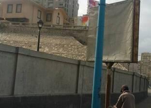 حي الجمرك بالإسكندرية يقطع الكهرباء عن 18 إعلان لسوء الأحوال الجوية