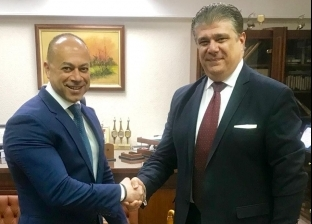 """""""إعلام المصريين"""" توقع بروتوكولا لتطوير التليفزيون المصري"""