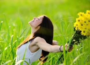 خبيرة يوجا: نقطة واحدة من زيت النعناع تشحن طاقتك الإيجابية في 10 دقائق