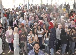 """""""تجارة القناة"""": 10 آلاف طالب وطالبة ينتظمون داخل الكلية"""
