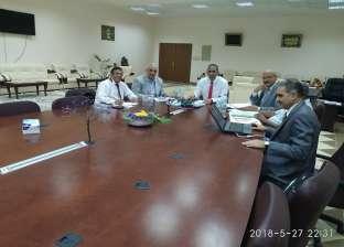 رئيس جامعة أسوان يرأس لجنة اختيار المتقدمين لمنصب عميد كلية الهندسة