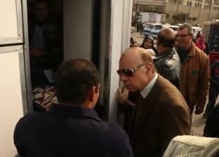 """محافظ القاهرة يتفقد قافلة تموينية بـ""""صقر قريش"""" في البساتين"""