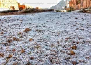 تساقط الثلوج على مدينة سانت كاترين بجنوب سيناء
