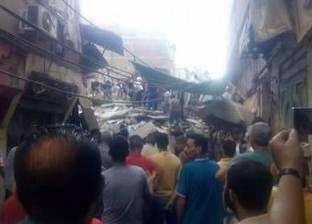 محافظ دمياط ومدير الأمن يتابعان حادث انهيار عقار بمدينة عزبة البرج