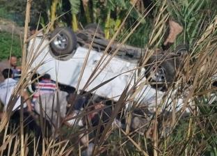 إصابة 5 في تصادم سيارتين بالبحيرة