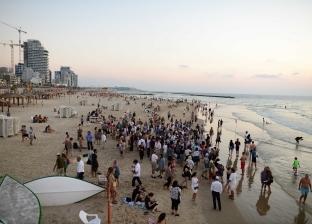 بالصور| لماذا يذهب اليهود في رأس السنة العبرية بكسرات الخبز إلى البحر؟