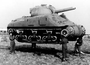 """دبابات """"وهمية"""" خلال الحرب العالمية الأولى"""