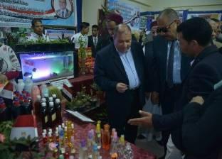 سكرتير عام محافظة مطروح يشهد معرض ختام الأنشطة الطلابية