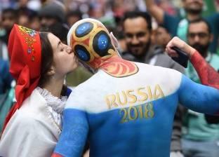 من أجل كأس العالم.. روسيا تعلم موظفيها كيف يبتسمون