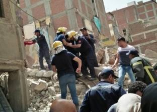 """""""القاهرة"""": لا خسائر بشرية بانهيار عقار حدائق القبة.. وحفر ملاصق السبب"""