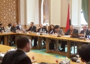 رئيس البورصة يحاضر ممثلي سفارات 35 دولة أجنبية بمصر للترويج خارجيا